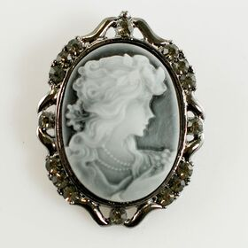 Cameo brooches