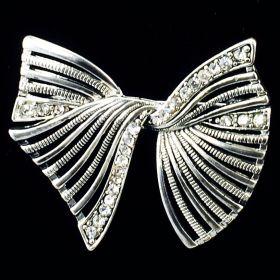 Bow brooch