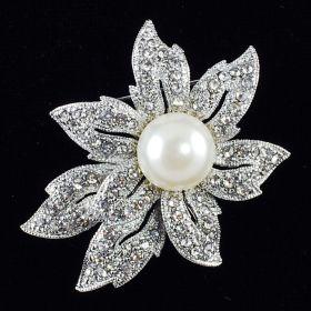 Rhinestone pearl brooch