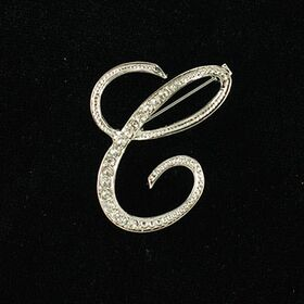 initial brooch C