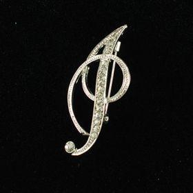 initial brooch I